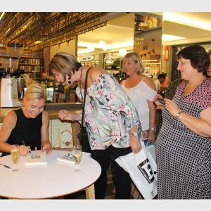 Lee den Hond adds 'author' to her stripes